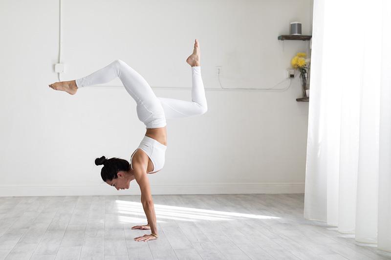 The Complete Guide to Kundalini Yoga | Ana Heart Blog