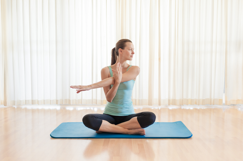 These Yoga Exercises Will Help You Prevent Shoulder Injuries